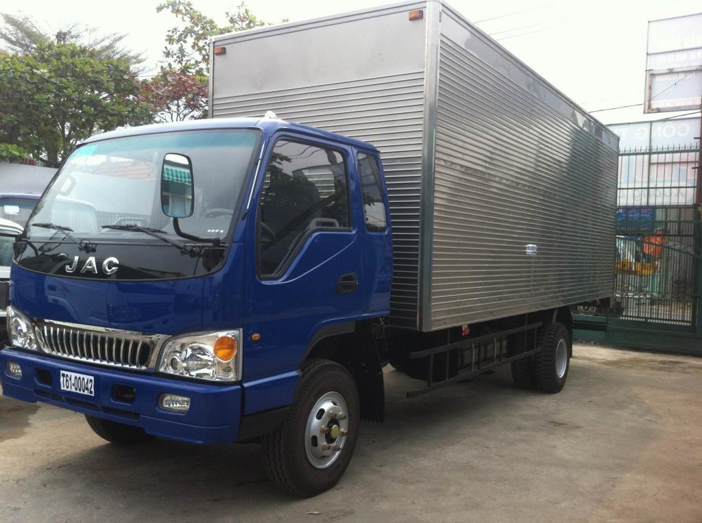 xe-tai-jac-6t4-thung-kin