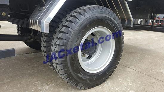 Lốp đôi xe tải jac 6t4