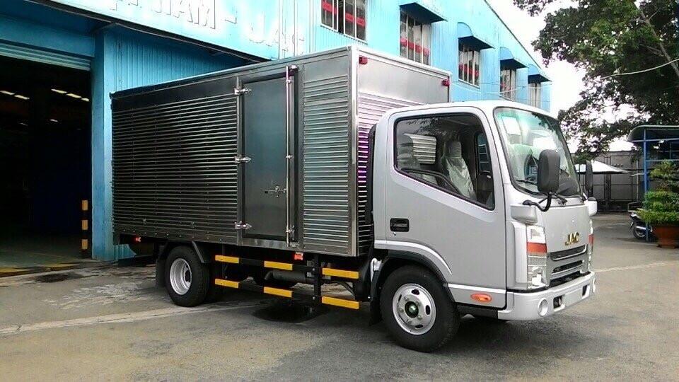 xe-tai-jac-1t65-thung-kin