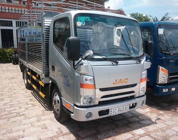 xe-tai-jac-1t65-thung-mui-bat