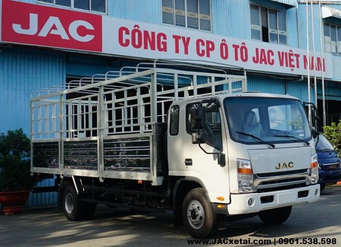 xe tai jac n650 plus thùng bat màu trắng