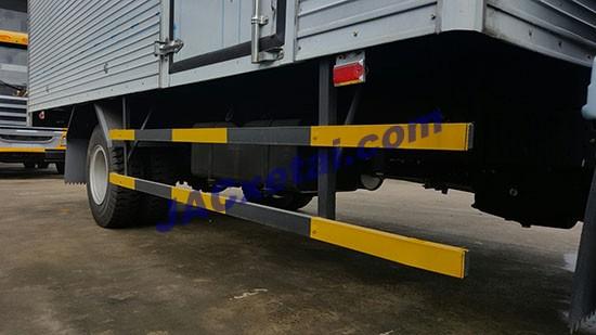 Cảng hông thùng xe tai jac 4,95 tan