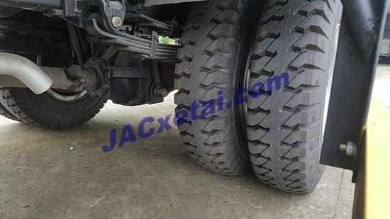 Lốp đôi xe tai jac 4t95