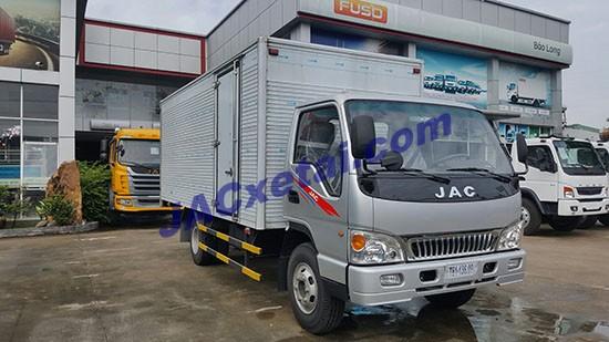 xe tai jac 4,9 tan thung kin