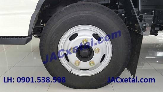lốp trước xe tai jac 2.4 tan