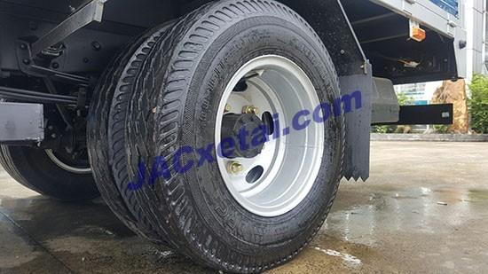 Lốp đôi sau xe jac 3.45 tan